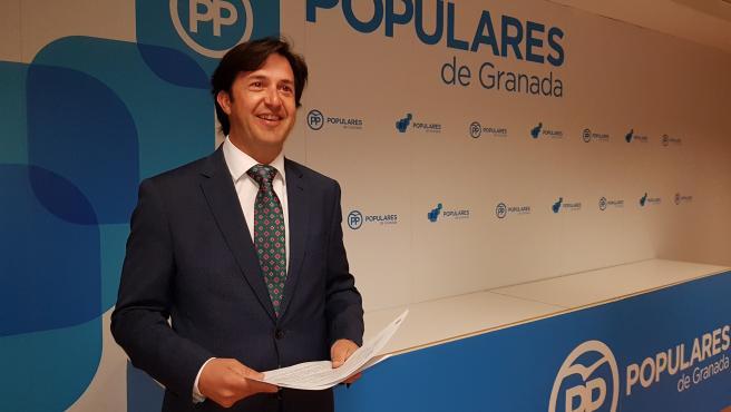 """El PSOE afea el """"doble rasero"""" sobre el transfuguismo del alcalde de Churriana de la Vega, del PP"""
