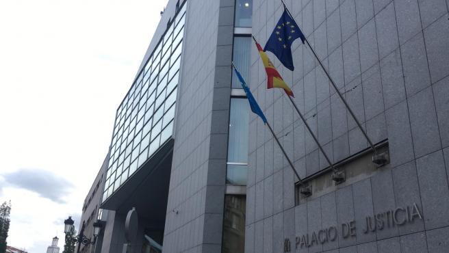 El fiscal solicita 20 millones a la empresa que explota la mina de oro de Belmonte de Miranda por vertidos