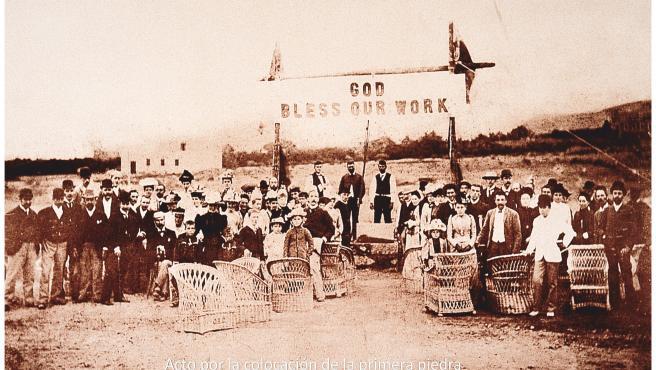 El 26 de febrero de 1883, la compañía británica Swanston inició la construcción del Puerto de La Luz bajo el lema 'God bless our work'
