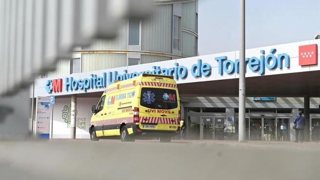 Vista exterior del Hospital Universitario de Torrejón (Madrid).