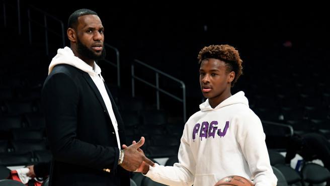 LeBron James y su hijo Bronny.