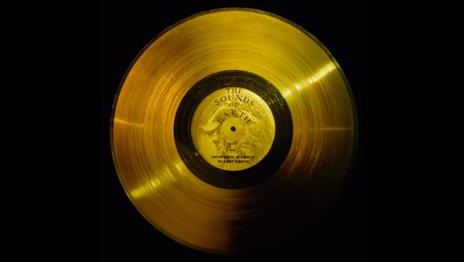 El disco de oro de las Voyager fue llamado 'The Sounds of Earth', en español 'Sonidos de la Tierra'.