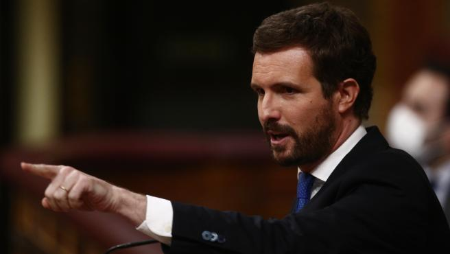 El líder del PP, Pablo Casado, interviene durante una sesión de Control al Gobierno en el Congreso de los Diputados, en Madrid, (España), a 24 de febrero de 2021. El pleno estará marcado por la intervención del pres