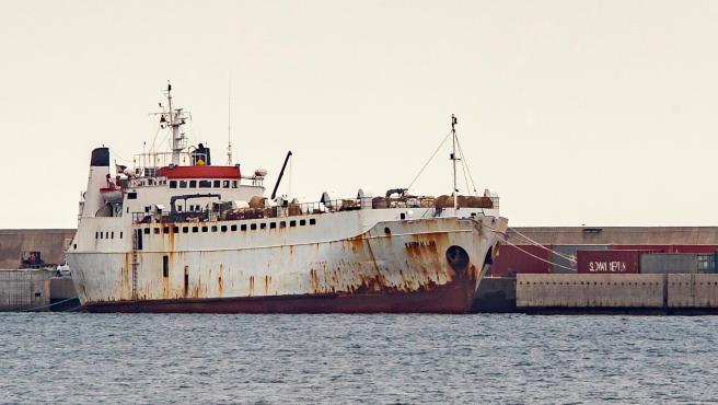 El barco 'Kharim Allah' este sábado en el puerto de Cartagena.