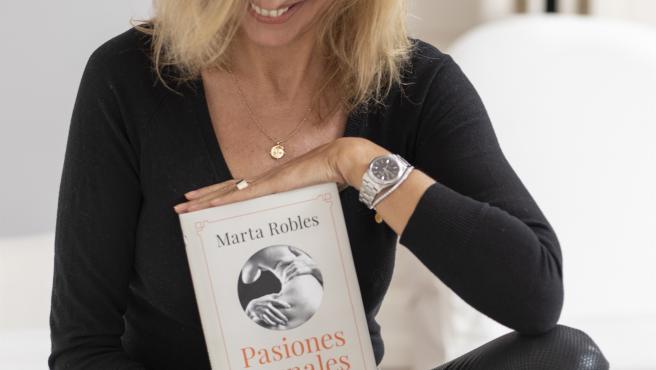 Archivo - La periodista y escritora Marta Robles