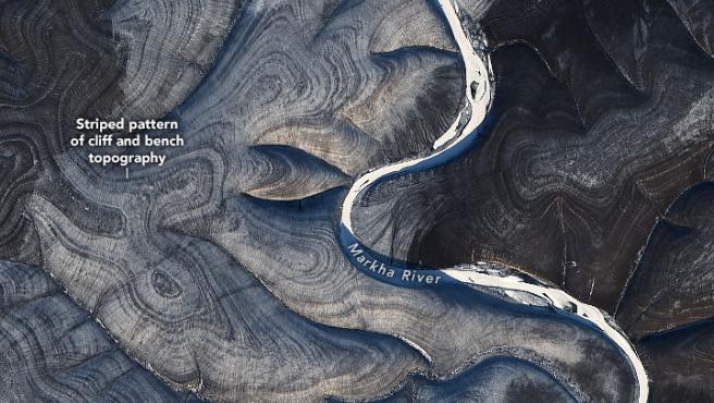Imagen captada por satélite de las ondulaciones terrestres vistas en una zona de Siberia próxima al río Markha.