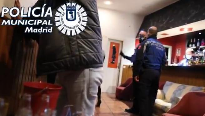 Fiesta ilegal intervenida por la Policía.