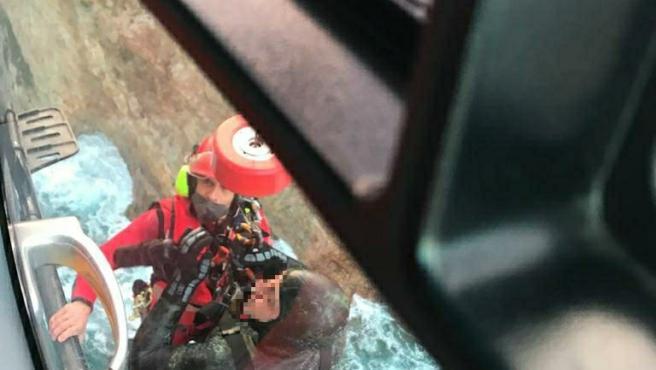 Rescate de dos submarinistas en Cudillero.