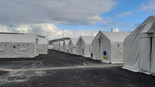 Cruz Roja asegura que no depende de ellos el regreso de los inmigrantes al Canarias 50 tras intentar que no abandonaran