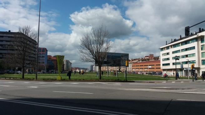 Archivo - Solarón de Gijón. Plan de vías