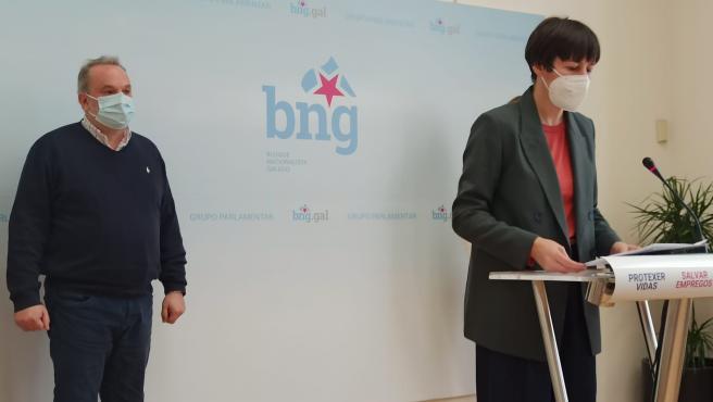 La líder del BNG, Ana Pontón, en rueda de prensa junto a representantes de la Iniciativa Galega pola Memoria