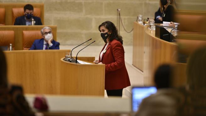 La presidenta del Gobierno de La Rioja, Concha Andreu, en el pleno del Parlamento de La Rioja