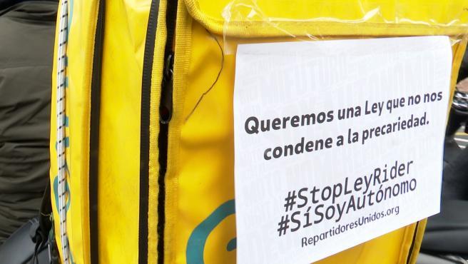 """Riders protestan en València ante nueva ley: """"No todo pasa por asalariar"""""""
