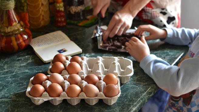 Organizar las comidas para toda la semana en casa, permite ahorrar tiempo y dinero.