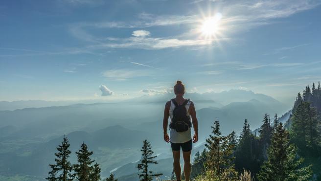 Realizar ejercicio de manera regular, contribuye al estado de ánimo.