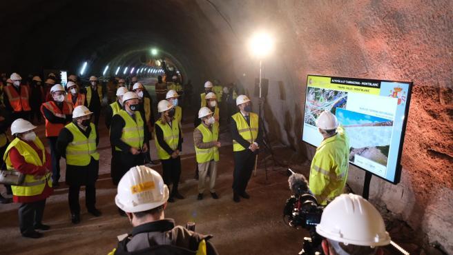 Ábalos anuncia las licitaciones del último tramo de la A27 y de explotación de la A7 en Alicante
