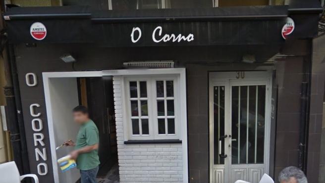 Fachada de la tapería O Corno en A Coruña, Galicia.