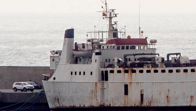 El buque Karim Allah en el puerto de Escombreras en Cartagena.