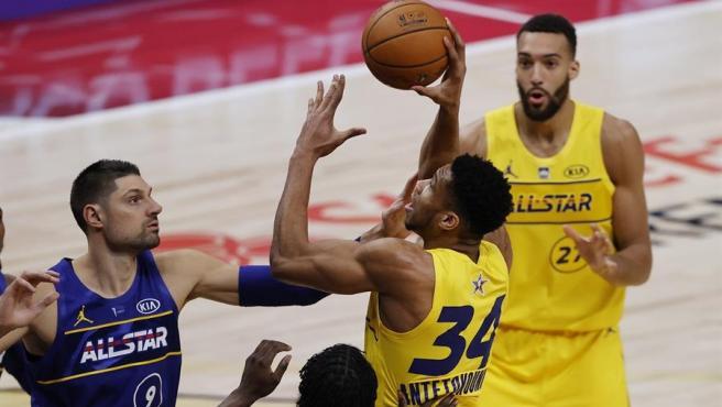 Giannis Antetkounmpo, MVP del All-Star 2021 de la NBA.