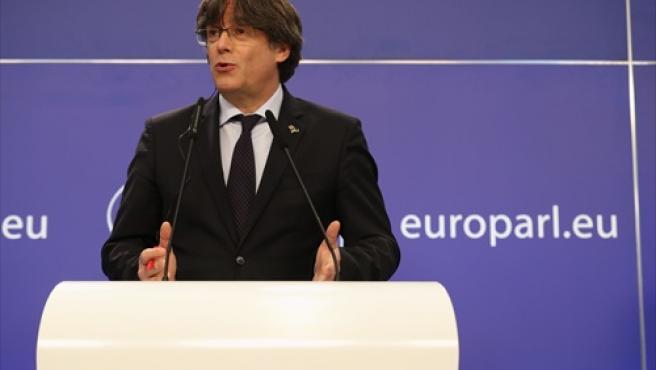 El expresident catalán, Carles Puigdemont, en una rueda de prensa tras ver suspendida su inmunidad.