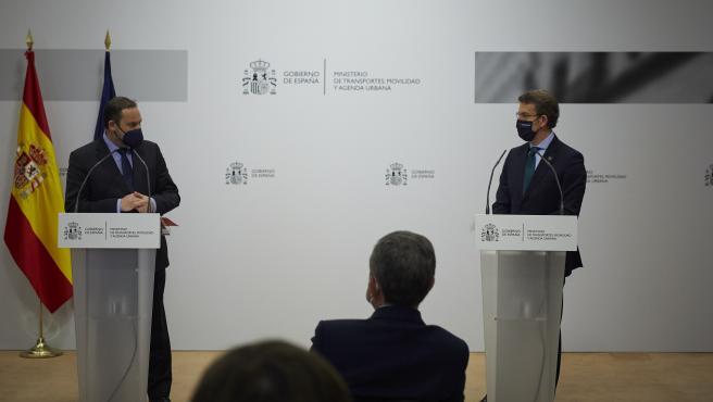 """El Gobierno compromete """"encarar la conexión ferroviaria"""" de Punta Langosteira y avances para la salida sur de Vigo"""