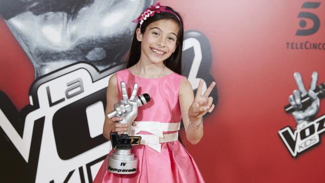 Melani García Gaspar como ganadora de la 4 edición del programa 'La Voz Kids'.
