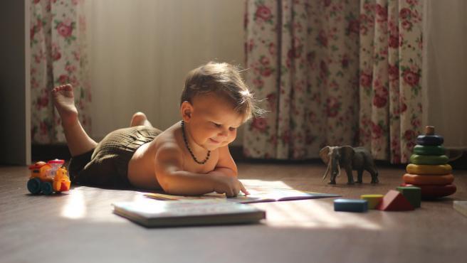 El arrullo relaja y ayuda a dormir a los niños en sus primeros años de vida.