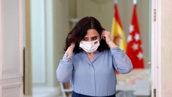 La presidenta madrileña, Isabel Díaz Ayuso, en su comparecencia tras firmar el decreto para convocar elecciones anticipadas el martes 4 de mayo en la Comunidad de Madrid.