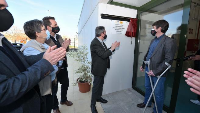 El Ayuntamiento de Sevilla pone en servicio el nuevo pabellón de San Jerónimo en el Distrito Norte
