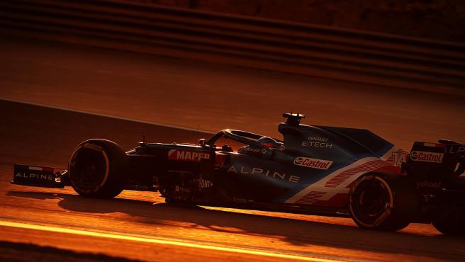 Fernando Alonso, con el Alpine en Bahréin