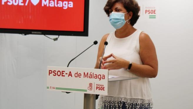 Fuensanta Lima, vicesecretaria general del PSOE de Málaga, en rueda de prensa