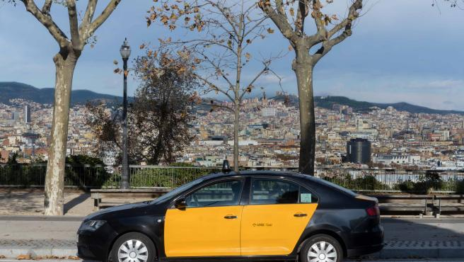 Un taxi de Uber en Barcelona