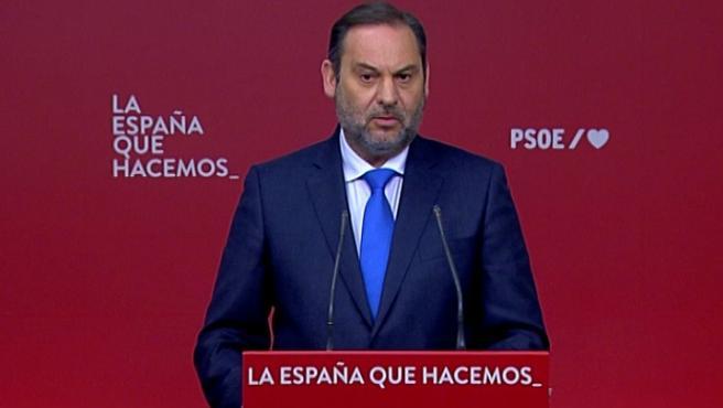 """Ábalos pide a Cs que """"por dignidad"""" rompa sus pactos con el PP"""