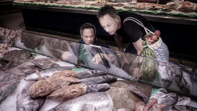 Sergio y Javier Torres suelen ir al mercado a comprar alimentos frescos.