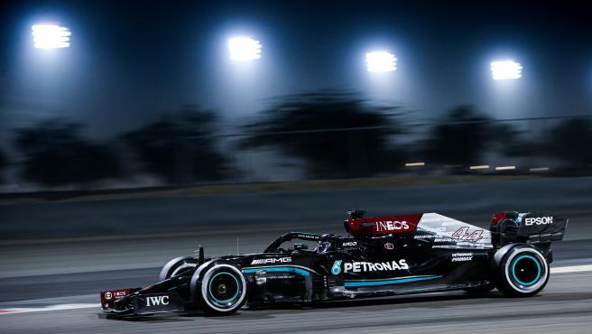 Lewis Hamilton, durante los test de Bahréin