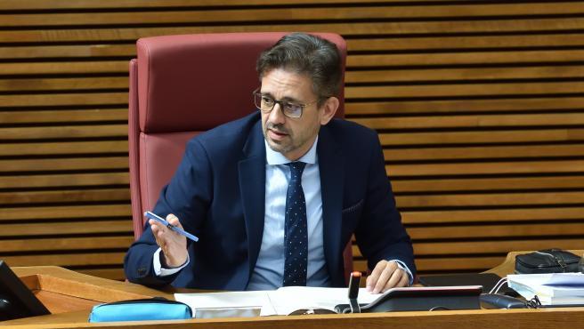 "Un diputado del PP asegura haber recibido un ""anónimo"" con ""listas de altos cargos"" del Consell vacunados irregularmente"