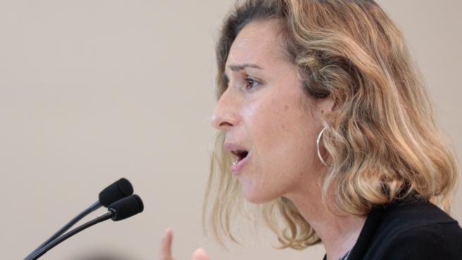 La diputada de la CUP Laia Estrada, durante el Pleno de investidura de este viernes.