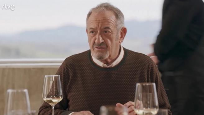 El cocinero Karlos Arguiñano, en el programa 'Dos parejas y un destino'.