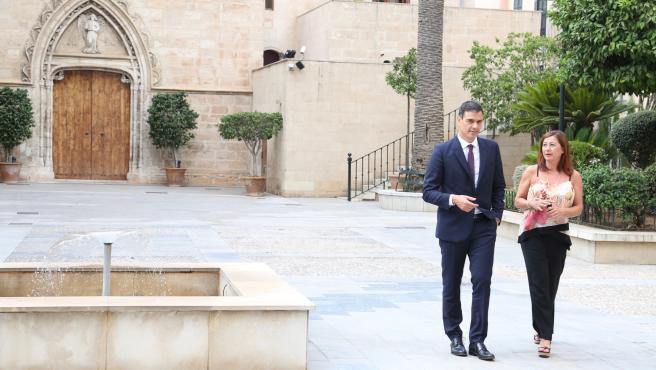 Archivo - Reunión entre Pedro Sánchez y Francina Armengol en Consolat de Mar