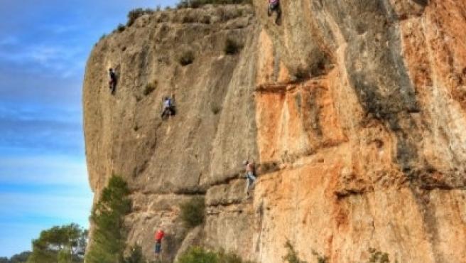 El Govern estudia limitar el número de escaladores en Margalef (Tarragona)
