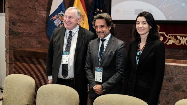 Archivo - El presidente del Parlamento de Canarias, Gustavo Matos, junto a la presidenta del Senado, Pilar Llop