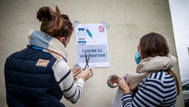 Imagen de un centro de vacunación en Francia.