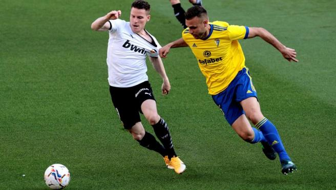 Cala, in a set of the game with Gameiro in Cádiz vs Valencia.
