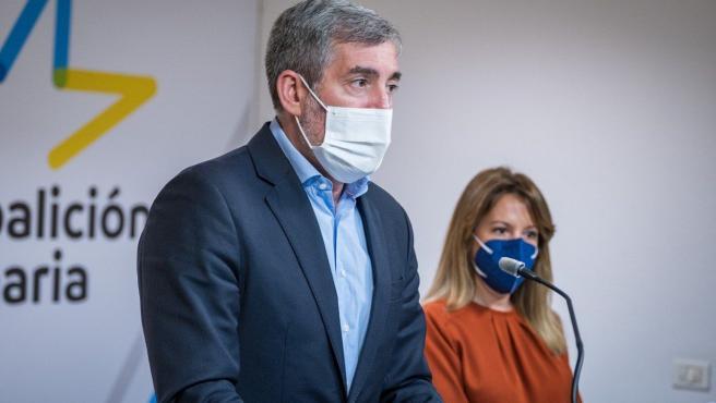 El secretario general nacional de CC-PNC, Fernando Clavijo, y la diputada Rosa Dávila