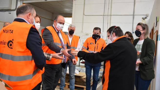 El vicepresidente regional, josé Luis Martínez Guijarro, visita las instalaciones de AMIAB