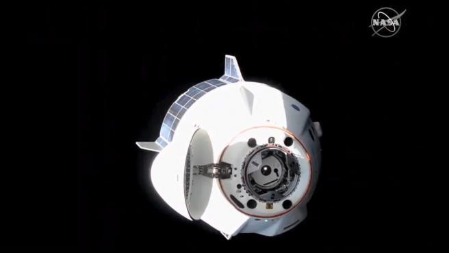 Imagen de la SpaceX Crew Dragon después de desacoplarse del puerto delantero del módulo Harmony.