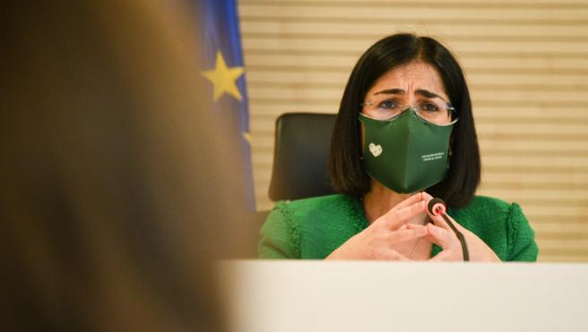 La ministra de Sanidad, Carolina Darias, ofrece una rueda de prensa a 5 de abril de 2021, en el edificio de Salud Pública de Valencia