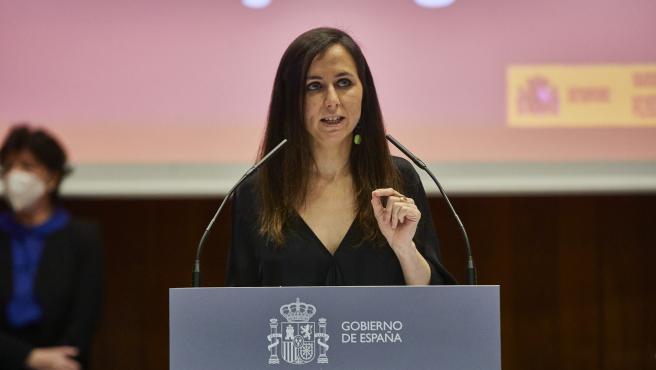 La nueva ministra de Derechos Sociales y Agenda 2030, Ione Belarra; interviene durante el traspaso de carteras ministeriales, en Madrid (España), a 31 de marzo de 2021. Este traspaso se produce como consecuencia de la p