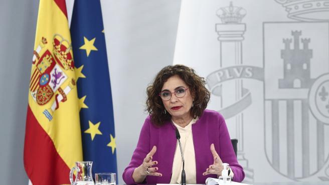 La ministra de Hacienda y portavoz del Gobierno, María Jesús Montero, durante una rueda de prensa posterior al Consejo de Ministros, en La Moncloa, en Madrid (España), a 30 de marzo de 2021