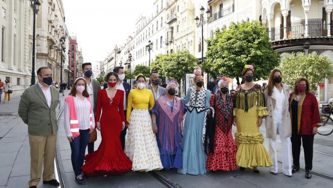 Presentación de dos exposiciones de moda flamenca en Sevilla, en el marco de las actividades para impulsar el sector.